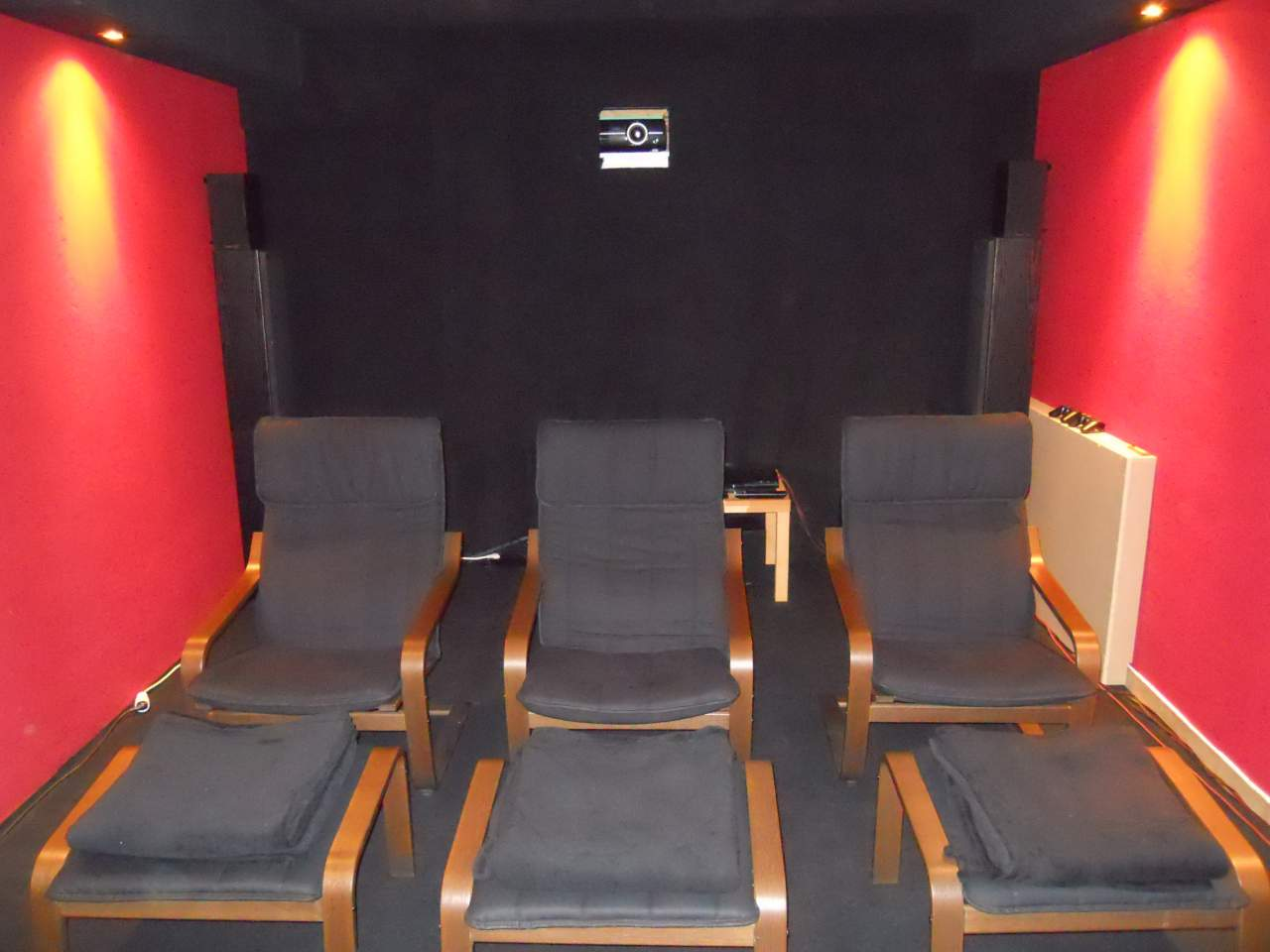 vorstellung neues heimkino un poison nukes forum. Black Bedroom Furniture Sets. Home Design Ideas
